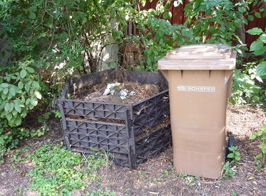 kein plastik in den bioabfall so entsteht wertvoller kompost. Black Bedroom Furniture Sets. Home Design Ideas